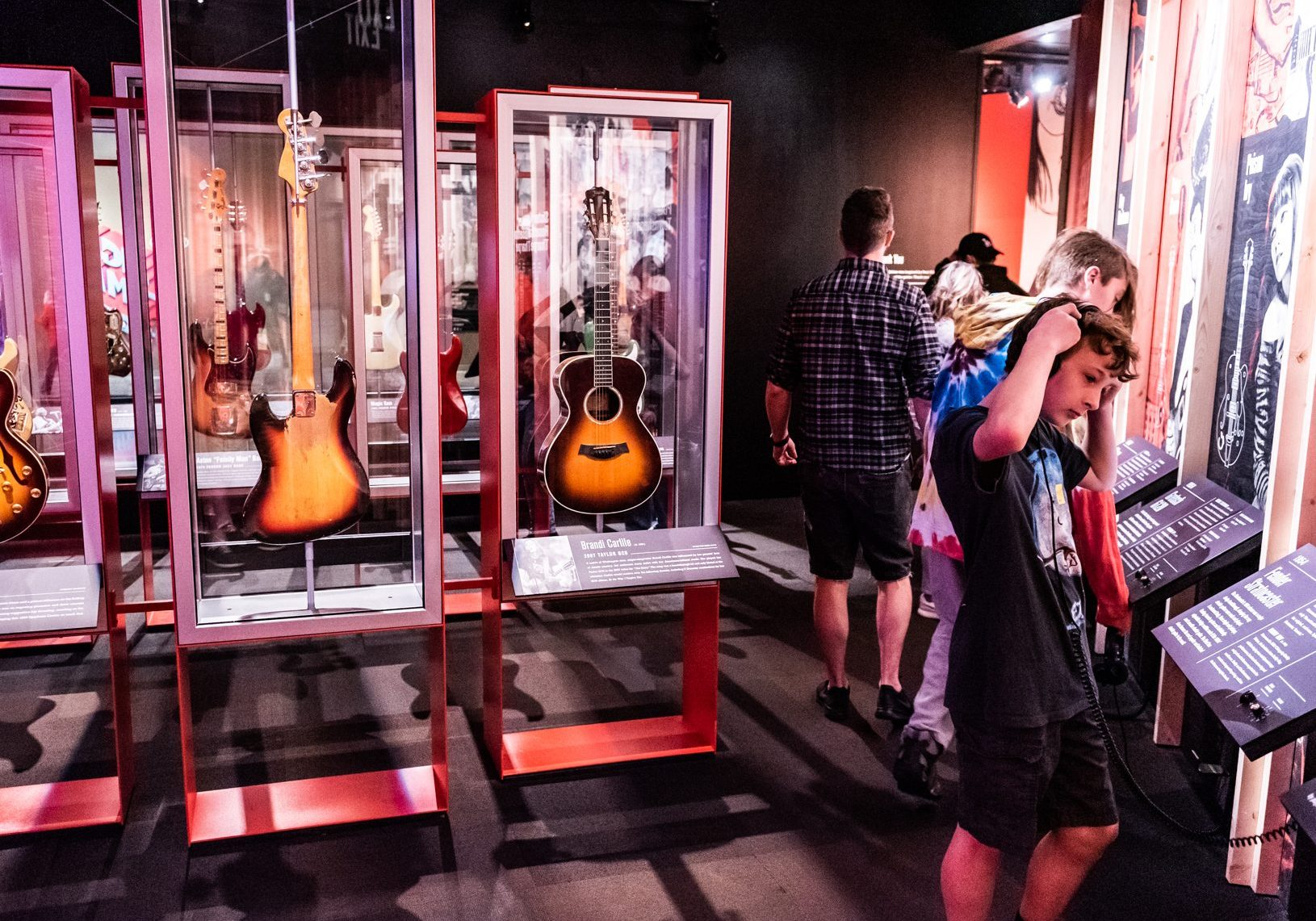 MoPOP guitar gallery
